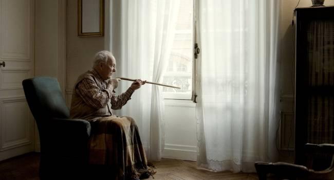 Как социальное дистанцирование влияет на здоровье пожилых людей