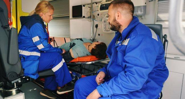 10 симптомов, требующих вызова скорой помощи
