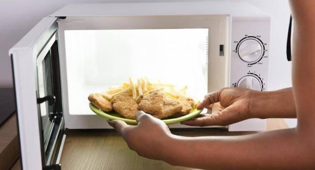Симптомы пищевого отравления, причины его появления