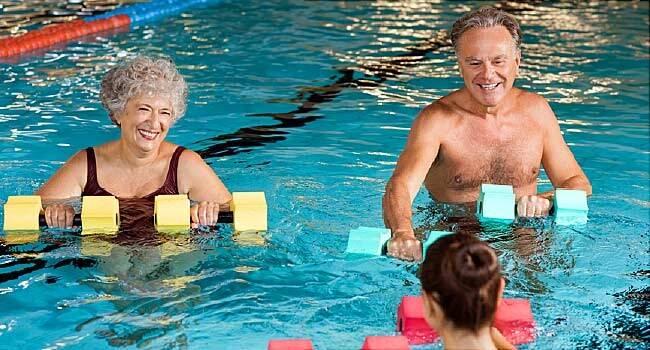 Топ-7 упражнений для людей с артритом