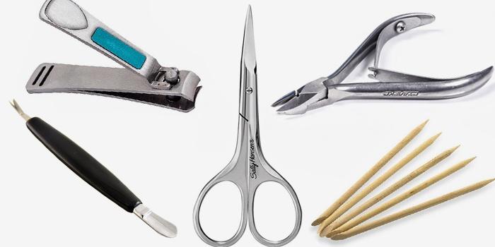 Инструменты из маникюрного набора