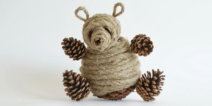 Детская поделка из шишек на тему осень - Медведь