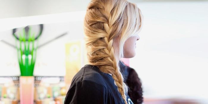 Греческая коса на бок