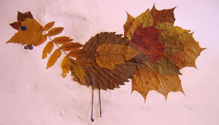 Петушок - осенняя аппликация из листьев