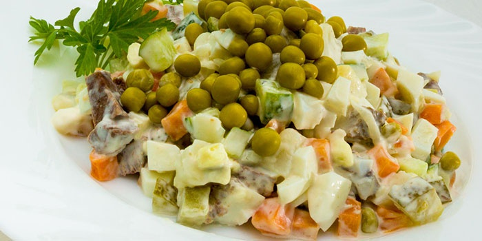 Классический мясной салат с говядиной