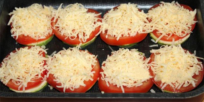 Как сделать кабачки с помидорами и сыром в духовке