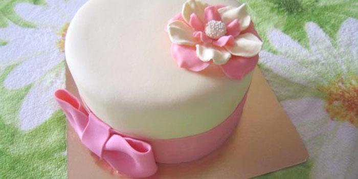 Торт молочная девушка
