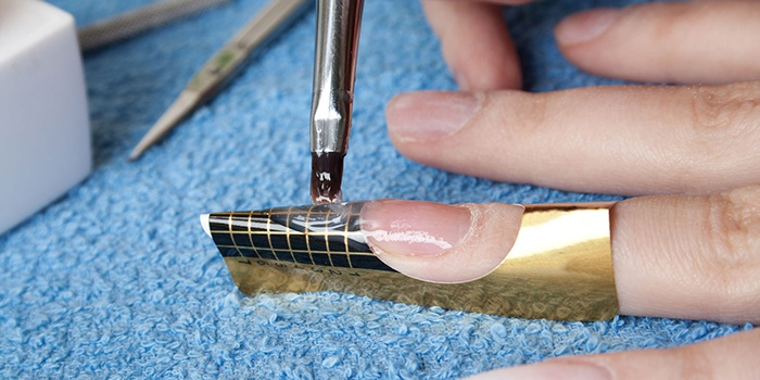 Поэтапное наращивание ногтей гелем