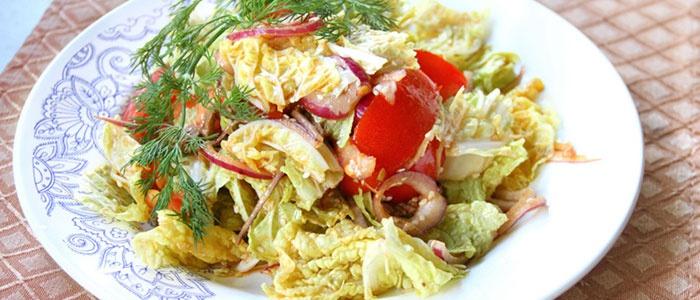 Салат из пекинской капусты, тунца и яблок