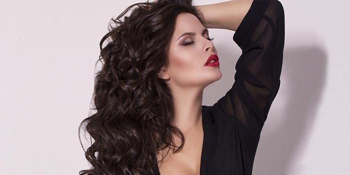 Волнистые кудри на длинные волосы