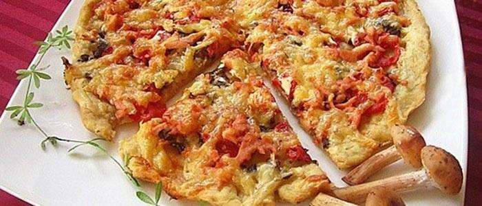 Быстрая пицца с грибами и сосисками