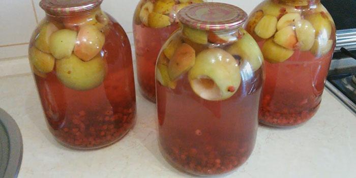 Рецепт компота с зелеными яблоками