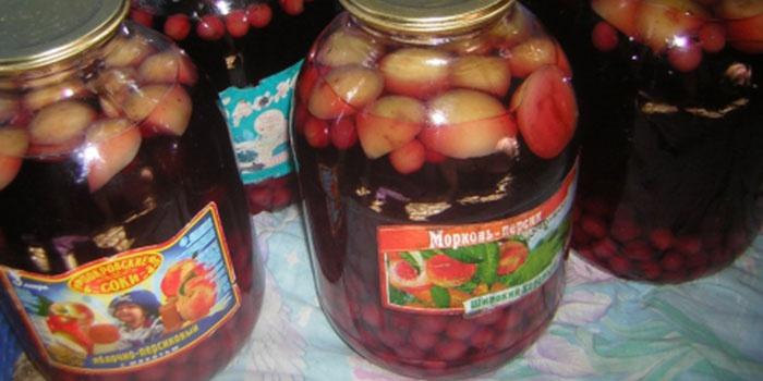 Яблочный компот с добавлением вишни и лимона