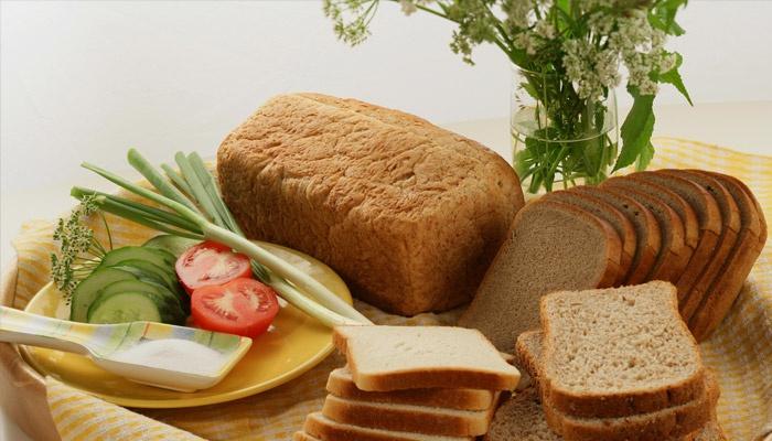 Нарезанный пшенично-ржаной хлеб