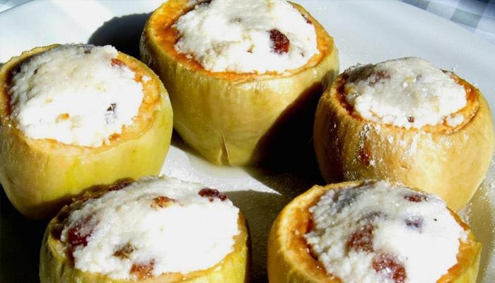 яблоки печеные в духовке с творогом и медом
