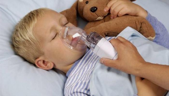 Ребенок проходит курс лечения