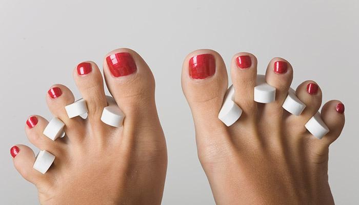 Накрашенные ногти на ногах