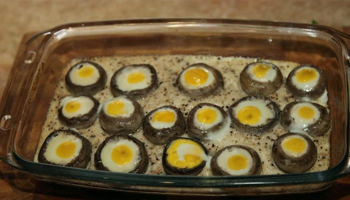 Запекание с перепелиными яйцами
