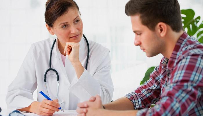 Парень на приеме врача