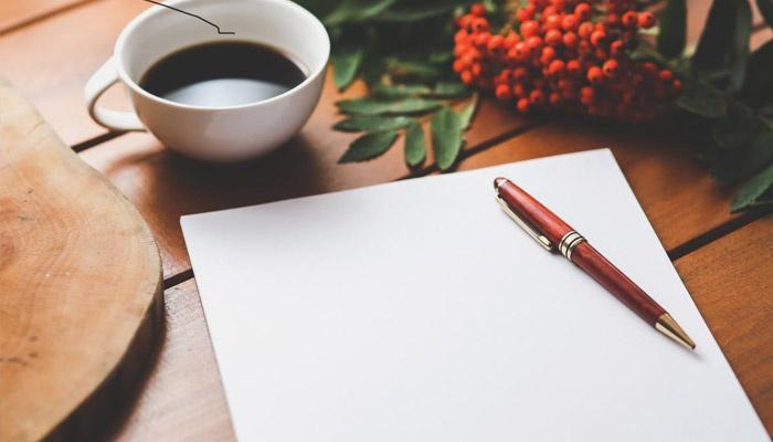 Лист бумаги и ручка