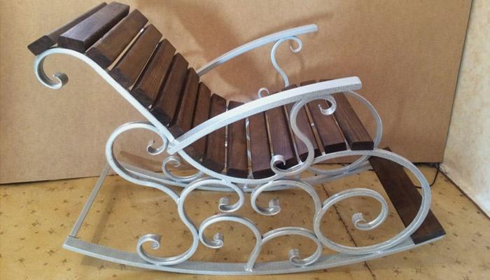 Кресло-качалка из профильной трубы