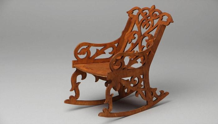Самодельное кресло-качалка из фанеры