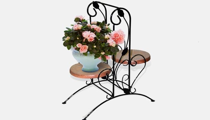 Пьедестал для цветов с большой столешницей