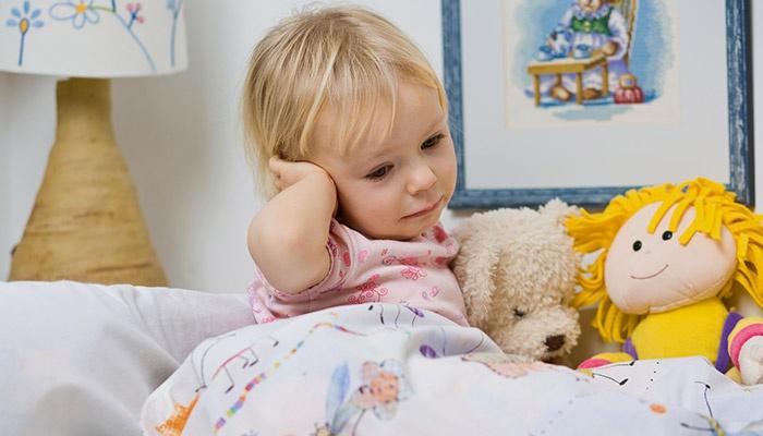 Девочка в постели