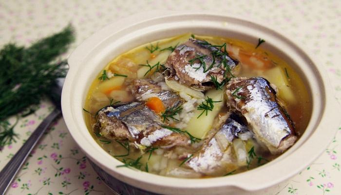 Рыбный суп с сайрой