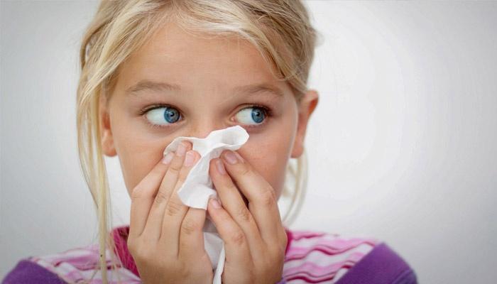 У ребенка носовое кровотечение