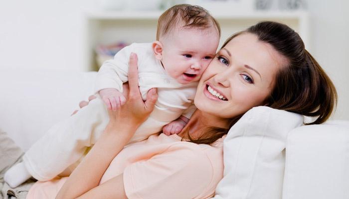 Мама с ребенком в декрете