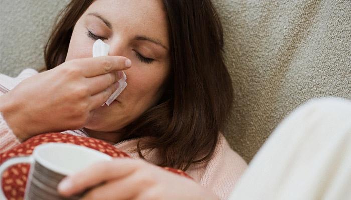 У женщины носовое кровотечение