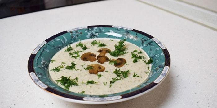 Грибной крем-суп с брокколи