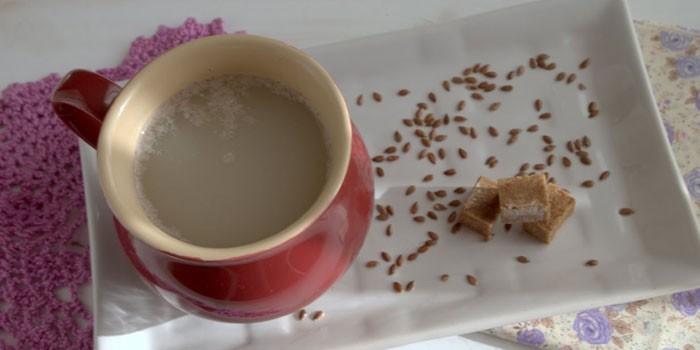 Льняной кисель в чашке