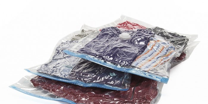 Упакованные вещи в вакуумные мешки Спэйс Мастер TD 0201
