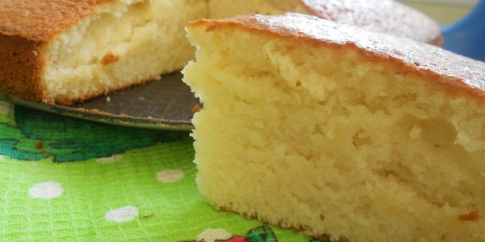 Готовый бисквит из теста на кефире