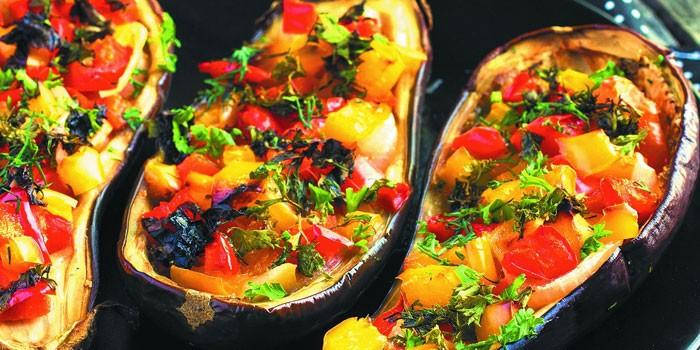 Лодочки фаршированные овощами