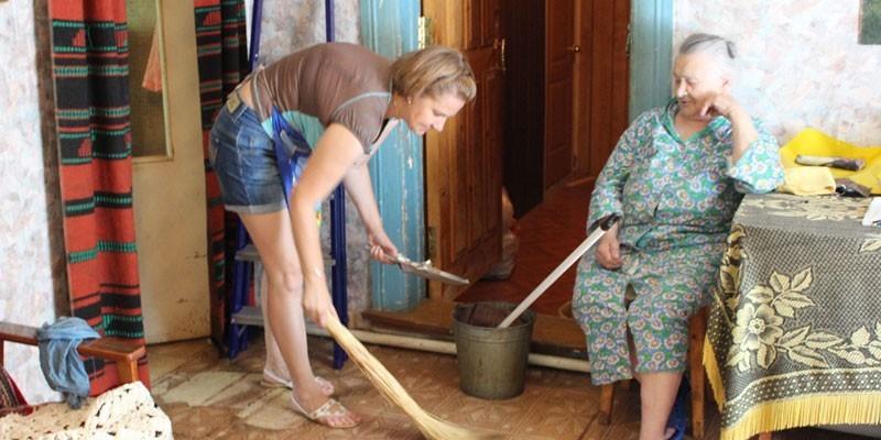 Уборка дома для престарелых
