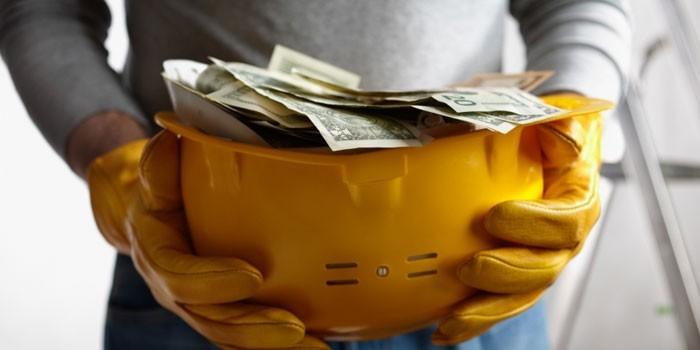 Строитель с деньгами