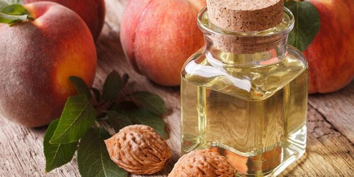 Персиковое масло в бутылочке