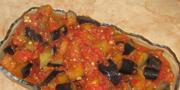 Острая закуска из баклажанов с томатами