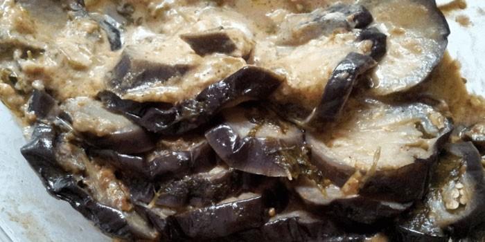 Тушеные баклажаны в сливочном соусе