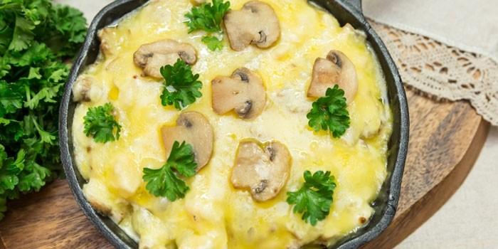 Жульен с курицей и грибами - пошаговый рецепт приготовления в домашних условиях с комментариями и фото