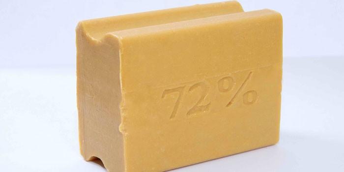 Кусок хозяйственного мыла 72%