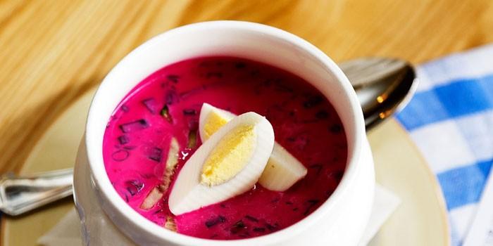 Холодник из свеклы - пошаговые рецепты приготовления на воде или кефире с фото
