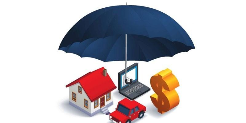 Машинка, домик, ноутбук под зонтом