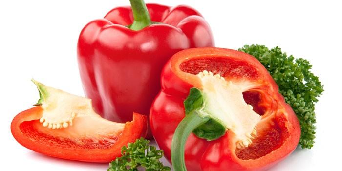 Красные болгарские перцы