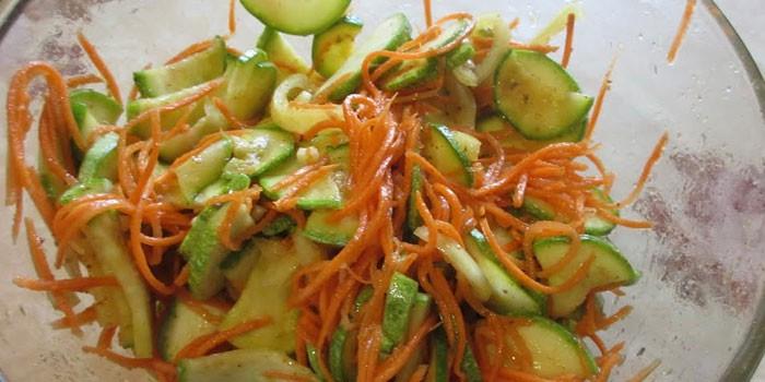 Салат из сырых кабачков: 5 лучших рецептов