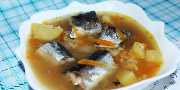Супа с рисом и замороженной рыбой