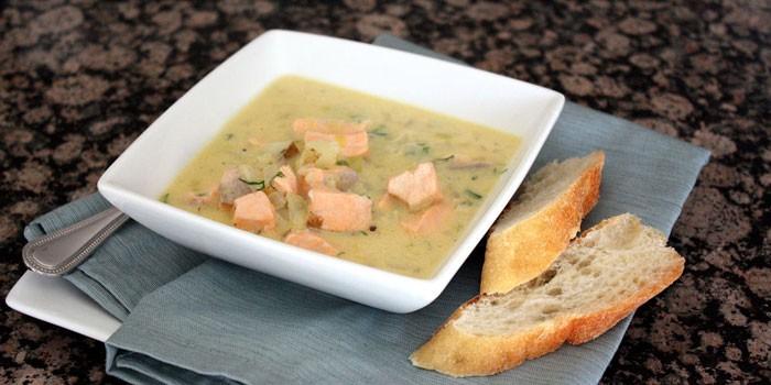 Суп из свежей красной рыбы